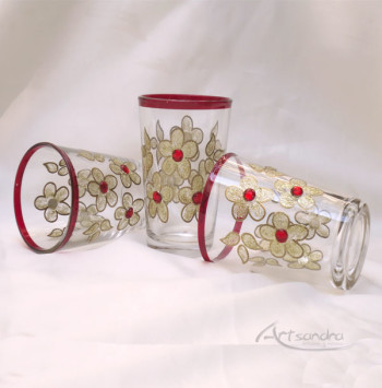 Vasos de té turcos